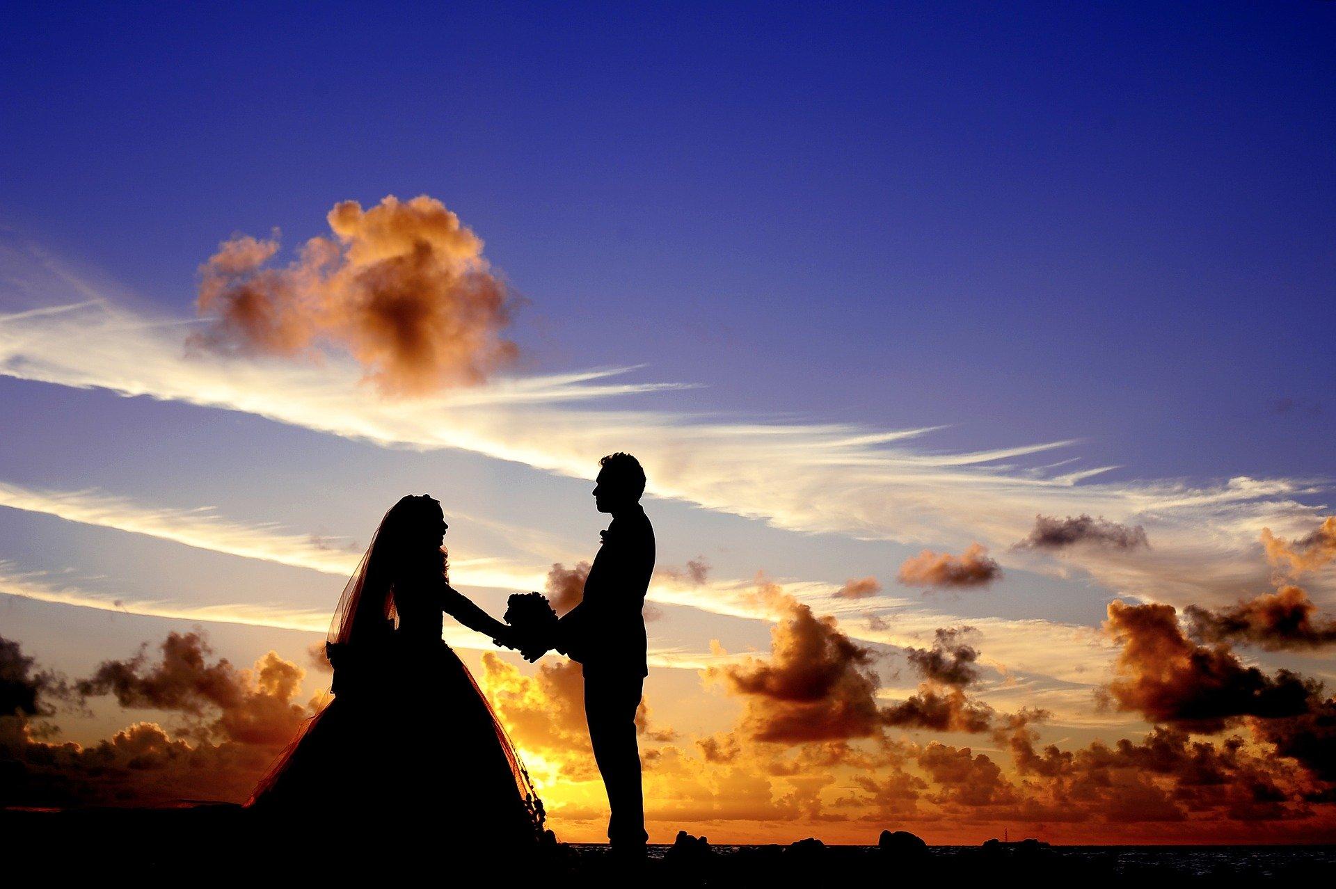 既婚者の男性が本気の恋!離婚する決意を固めた男性の兆候と起こりうる離婚の問題点