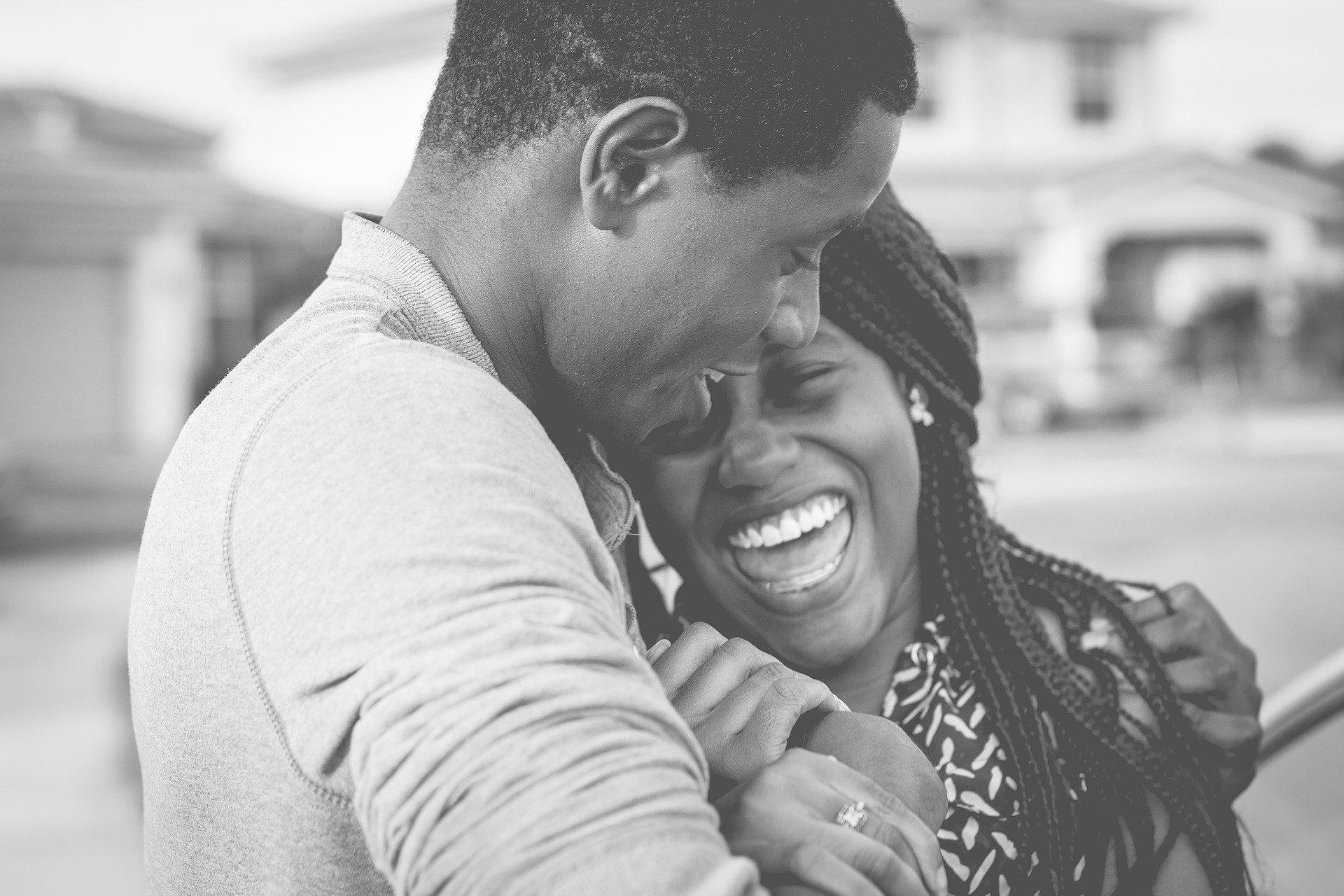 思わせぶりな既婚男性を攻略!既婚者の彼の本命と遊びの見分け方と逆転アプローチ方法